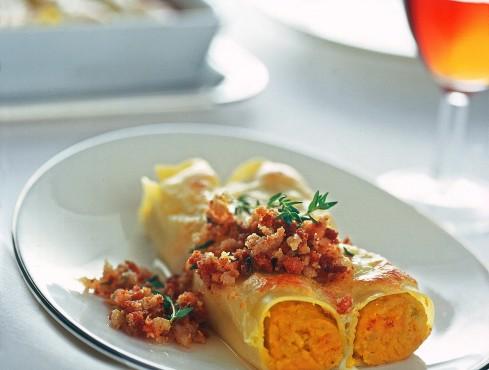 cannelloni-con-crema-di-zucca-e-trito-croccante ricetta