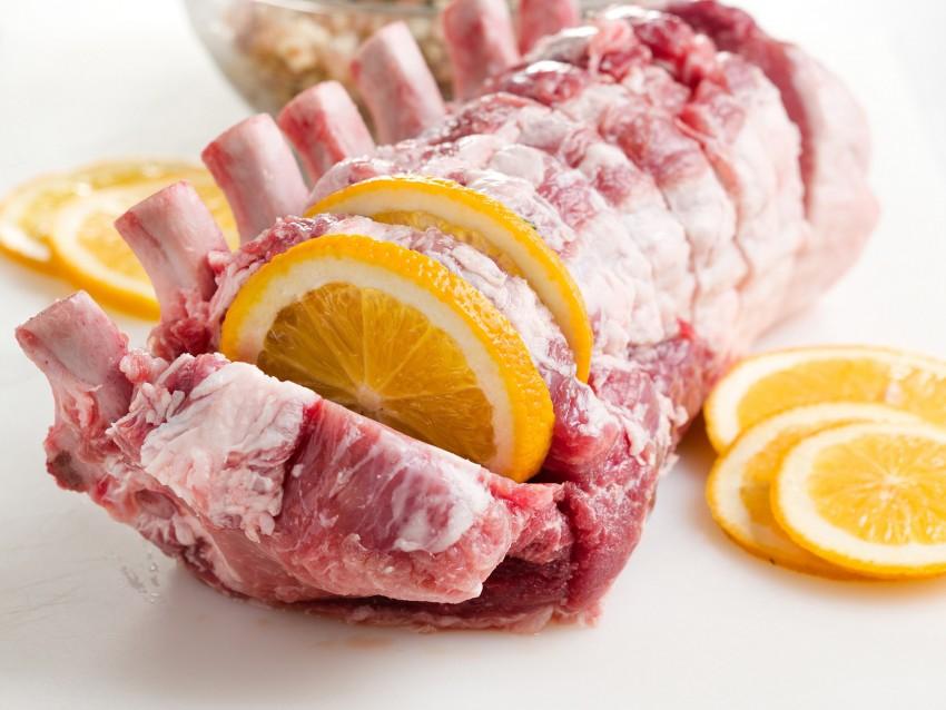 carre-di-maiale-con-salsiccia-e-arance