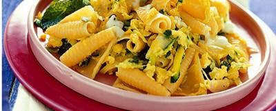 castellane-con-zucchine-uova-e-mozzarella