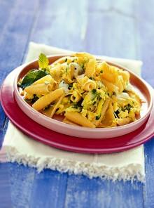 Le castellane con zucchine, uova e mozzarella