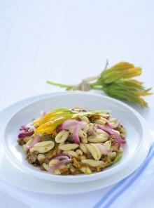 I cavatelli con fiori di zucca e briciole di salsiccia
