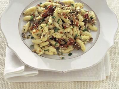 cavatelli-con-melanzane-e-pomodori-in-conserva ricetta