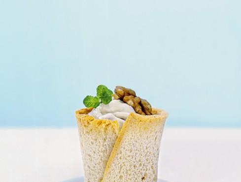 cestini-alla-mousse-di-formaggio-e-noci