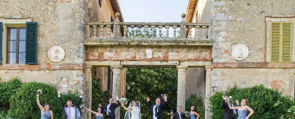 chic_wedding_jump