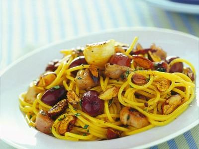 chitarrine-con-coniglio-olive-e-mandorle-piccanti ricetta