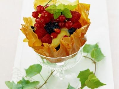 ciotoline-di-frutti-di-bosco-con-crema-al-lime ricetta