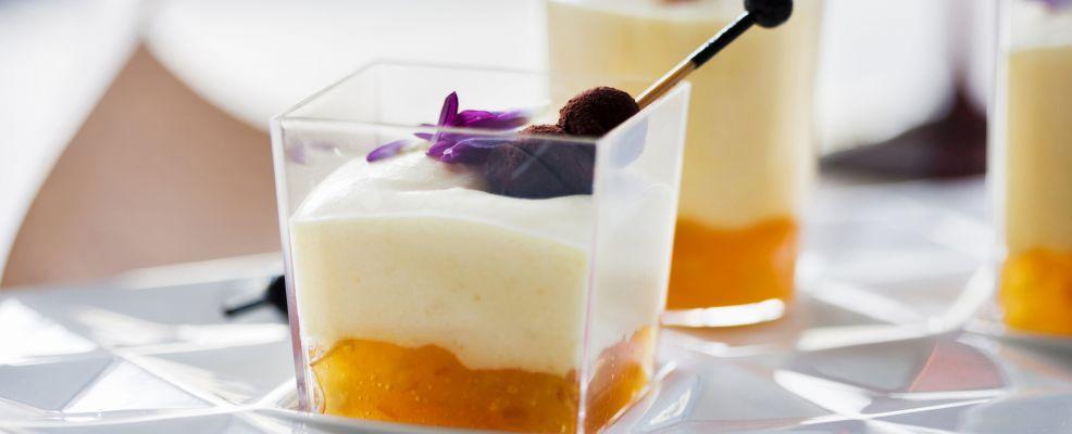 composta-di-arance-crema-di-mascarpone-e-tartufini-di-cioccolato-amaro
