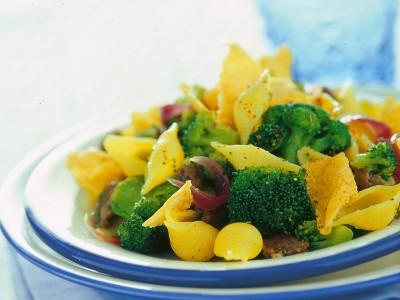 conchiglie-con-broccoletti-e-cialdine-di-pecorino ricetta