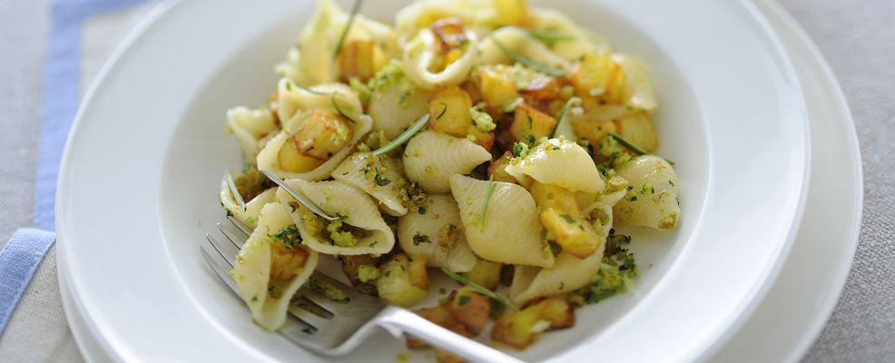 conchiglie-con-patate-e-mollica-al-basilico