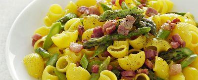 conchiglie-di-mais-con-uova-asparagi-e-bacon