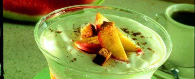 coppa di yogurt e pesche al pan di spezie ricetta
