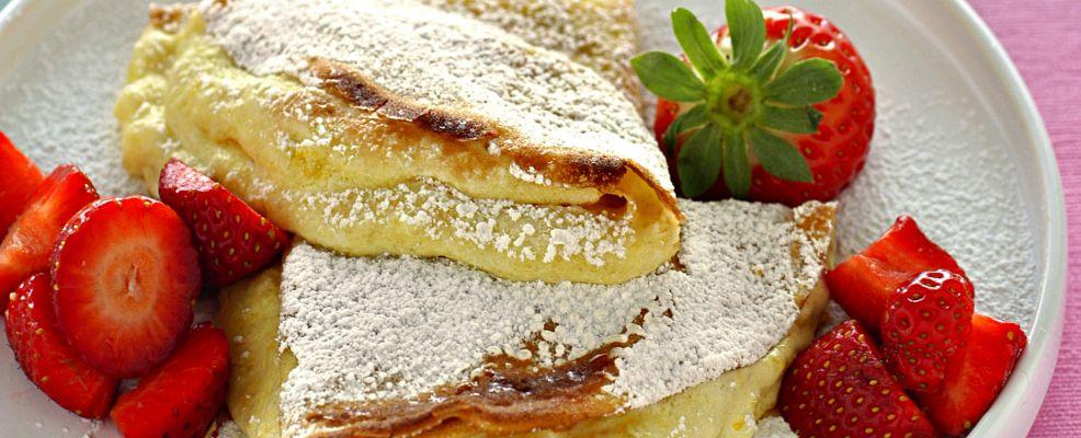 crepes con crema soffice e fragole ricetta Sale&Pepe