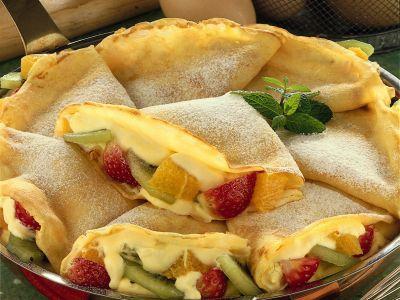 crepes farcite con crema e frutta ricetta