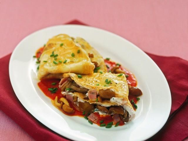crespelle con chiodini e ricotta in salsa rossa Sale&Pepe