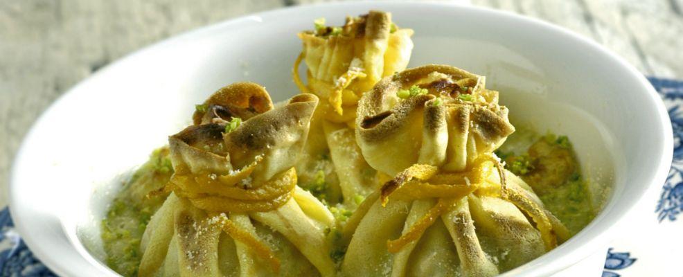 crespelle-con-pescatrice-e-salsa-di-pistacchi