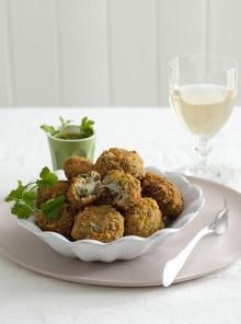 Crocchette con patate, bietole e cuore di mozzarella