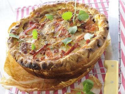 crostata-ai-peperoni-con-salame-piccante ricetta