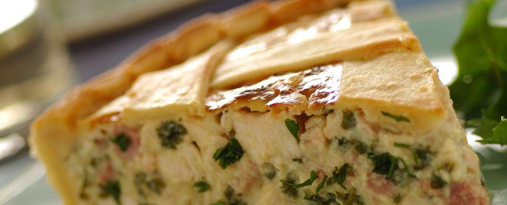 crostata con dadini di pollo e cipolla rossa Sale&Pepe ricetta
