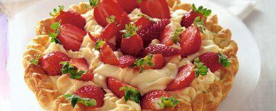 crostata con mousse di cioccolato bianco e fragole ricetta