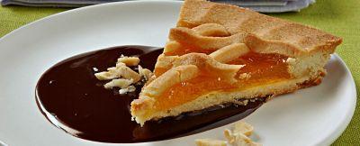crostata con salsa di cioccolato amaro ricetta