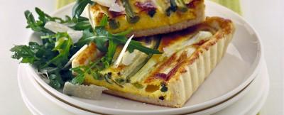 crostata-di-cipollotti-con-rucola-e-parmigiano foto