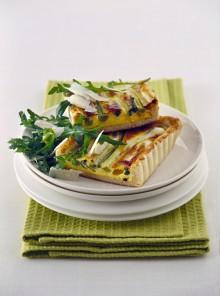 La crostata di cipollotti con rucola e parmigiano