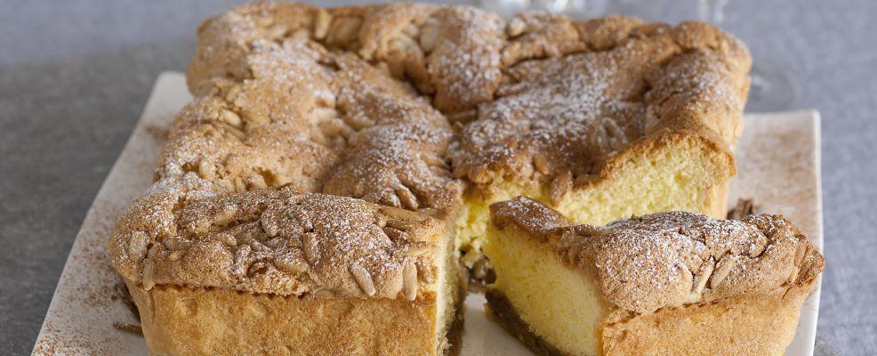 crostata-doppia-con-pinoli-e-crema-alla-cannella