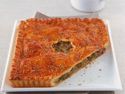 crostata-ripiena-con-agnello-e-carciofi