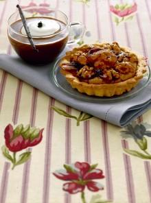 Le crostatine alla crema di caffè con noci caramellate