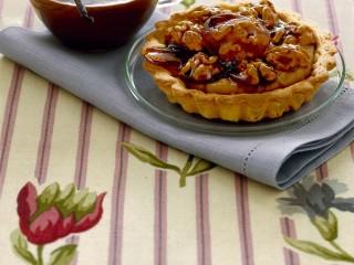 crostatine-alla-crema-di-caffe-con-noci-caramellate