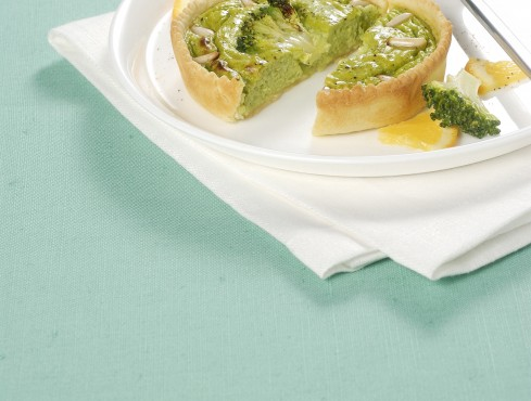 crostatine-di-broccoli-e-pinoli-al-profumo-di-arancia