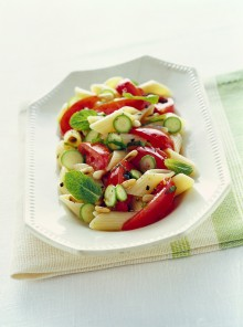 Crudaiola con zucchine novelle, menta e pinoli