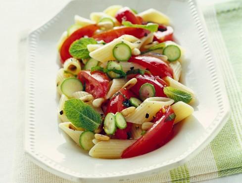 crudaiola-con-zucchine-novelle-menta-e-pinoli