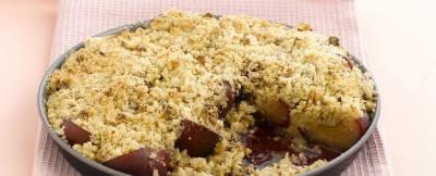 crumble-di-susine-e-nocciole ricetta