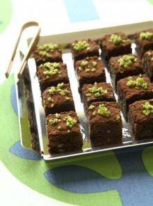 Cubetti al cioccolato con pistacchi