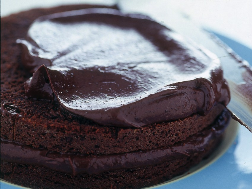 dolce-al-cacao-con-uvetta-pere-e-rum immagine