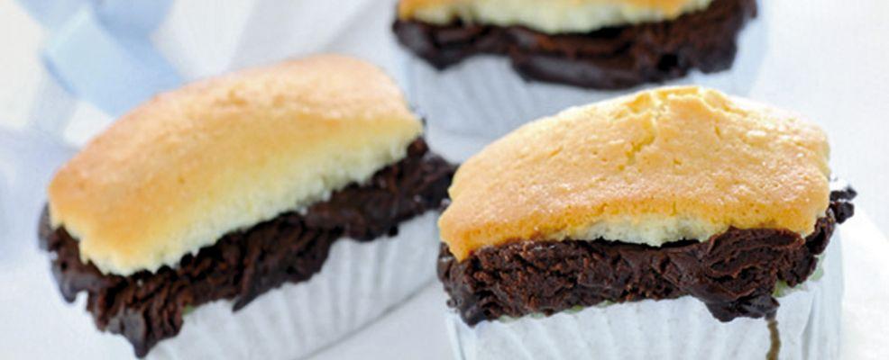dolcetti-al-cocco-con-ripieno-al-cioccolato