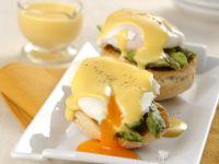eggs-benedict-con-le-punte-di-asparagi