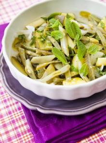 I fagiolini, zucchine e taccole in agrodolce