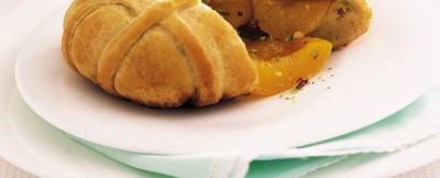 fagottini-con-crema-ai-pistacchi-e-albicocche