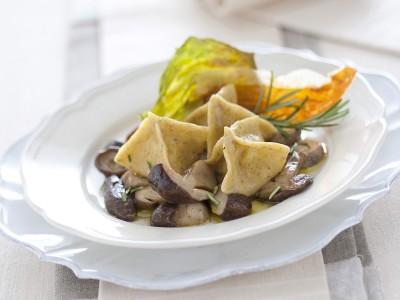 fagottini-di-grano-saraceno-ripieni-di-polenta-concia ricetta