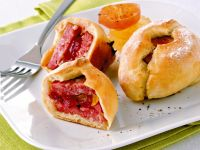 fagottini-di-pane-con-salame-cotto