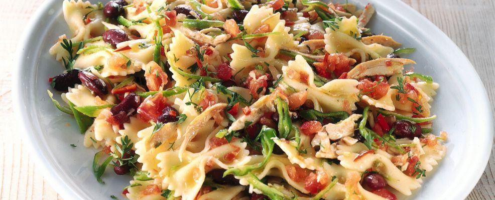 farfalle con pollo e fagioli in salsa piccante Sale&Pepe