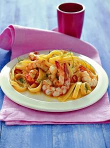 Le fettucce aglio, olio, peperoncino e gamberi