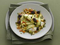 filetti-di-orata-in-guazzetto-di-zucchine-olive-e-pomodoro