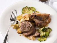 fiocco-al-forno-con-patate-salsa-al-ginepro-e-broccolo ricetta