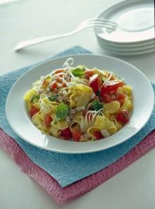 Le frappe con tartara di branzino e pomodori