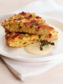 Frittata di speck al timo con salsa di formaggio