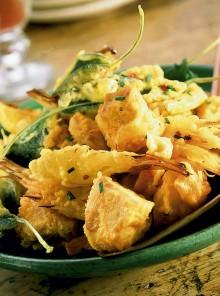 Frittura di coniglio, verdure e pere
