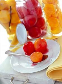 La frutta sciroppata alla vaniglia